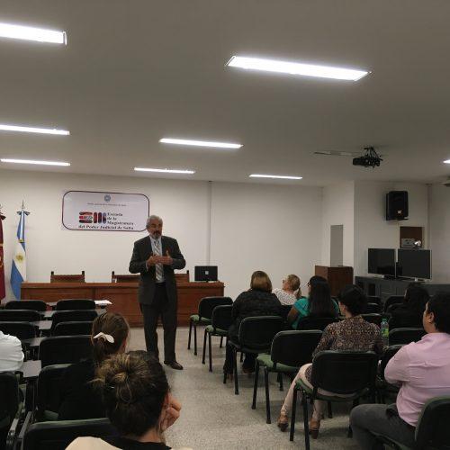 Salta: Nuevo sistema de capacitación para empleados judiciales salteños: Díaz dictó la primer clase del programa nivelador